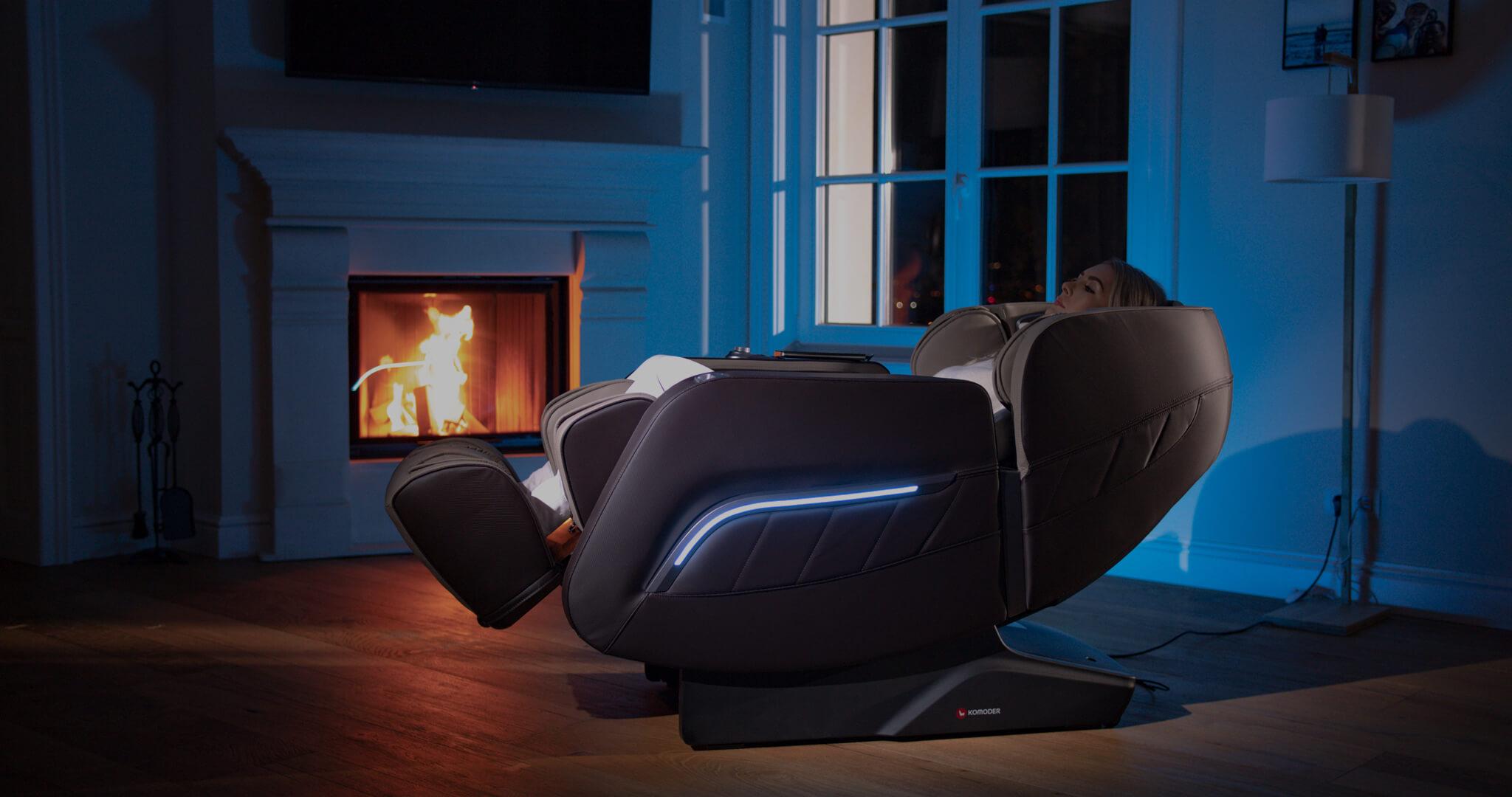 Видео - жена използва масажен стол Focus 2, в уюта на собственият си дом